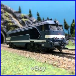Locomotive A1A 68000 SNCF-HO 1/87-ROCO 63487 DEP67-180