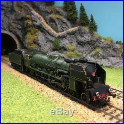 Locomotive vapeur 241 P 28 dépot de la Chapelle Sncf ép III-HO-1/87-JOUEF HJ2240