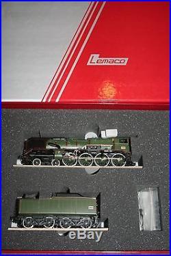Locomotive à vapeur SNCF de type 240 P4 de LEMACO 102/1 HO