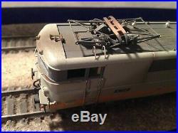 Roco BB 9237 livrée béton avec une légère patine