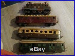 Train JEP loco wagons rails transfo panneau abri